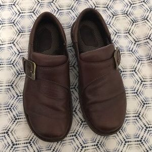 Leather slip-on shoe with buckle